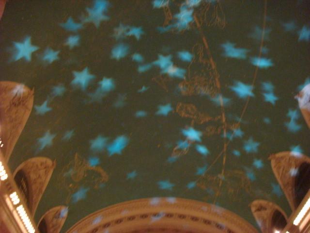 071209-grand-central-kaleidoscope-05-ceiling-lights-begin.jpg