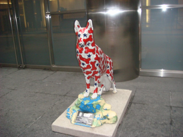 071209-rescue-dog-statue-on-50th-street-02.jpg