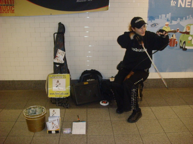 20071231-saw-lady.jpg