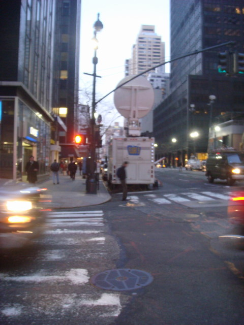 20080311-spitzer-stakeout-01.jpg