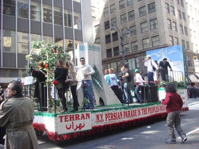 20080330-persian-day-parade-10-float.jpg