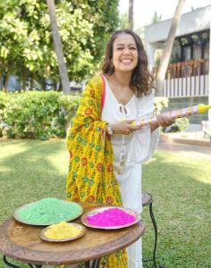 Neha Kakkar weight