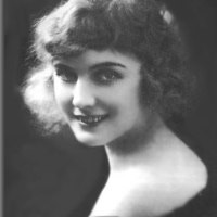 Biography of Edna Purviance, leading lady of Charlie Chaplin