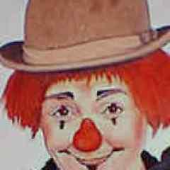 Annie Fratellini in clown makeup