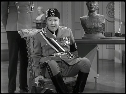 The Great Dictator – Jackie Oakie caricatures Benito Mussolini