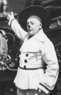 Otto Griebling as a white faced clown