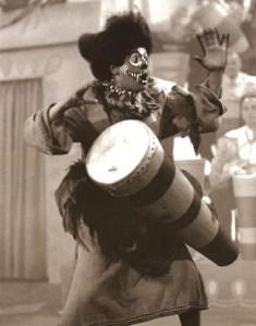 Desi Arnaz performing 'Voodoo' on I Love Lucy