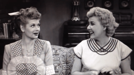 The Gossip - I Love Lucy - Lucy and Ethel exchanging gossip