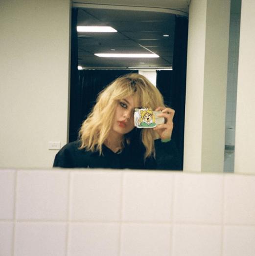 Alissa Salls Taking a Selfie