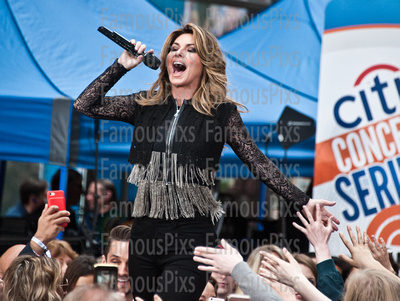 "FamousPix: 06/16/2017 - Shania Twain Performs on NBC's ""Today"" Show &emdash; Shania Twain"