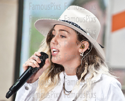 "FamousPix: 05/26/2017 - Miley Cyrus Performs on NBC's ""Today"" Show &emdash; Miley Cyrus"