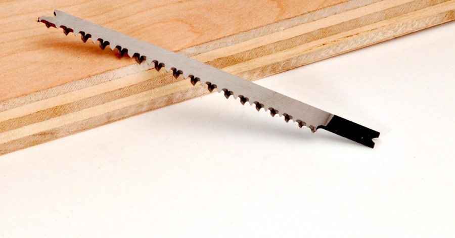 Jigsaw blade with plywood