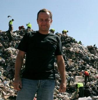 Garbage dump through the eyes of Garbage Pickers