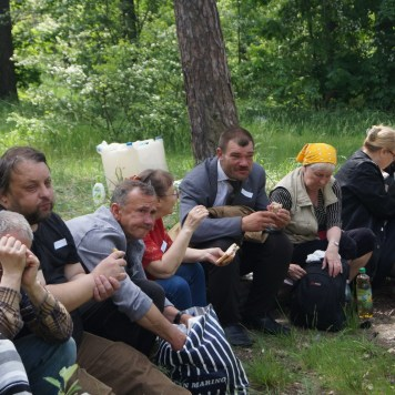 picnic homeless 06