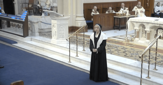 Thanksgiving – Apparition Reported in Miraculous Medal Shrine