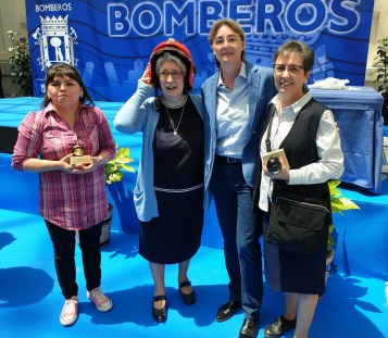 Hijas-Caridad-premiadas-por-Cuerpo-Bomberos-Madrid-3