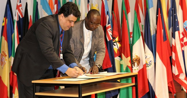 Dos ramas de la Familia Vicenciana firman un acuerdo de Cooperación Internacional