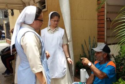 trabajo-con-habitantes-de-calle-en-cali-hijas-de-la-caridad-7