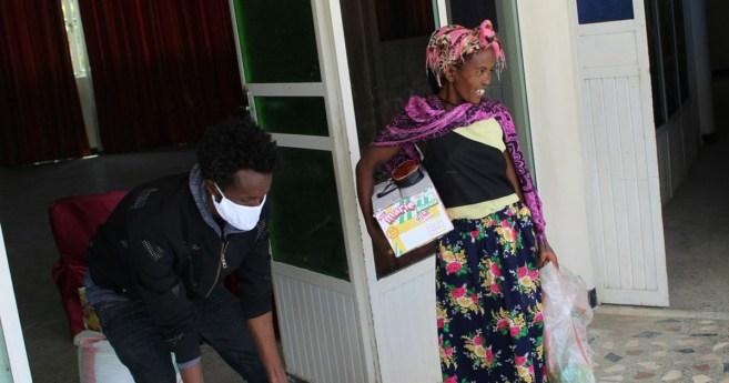 Las Hijas de la Caridad previenen el hambre entre las madres solteras de Etiopía