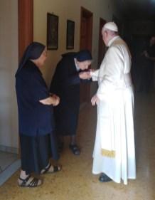 visita papa regina mundi 4