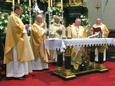 świętowanie jubileuszy kapłańskich w kościele seminaryjnym