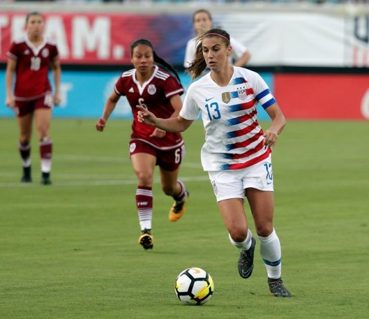USA beats Mexico 4-1