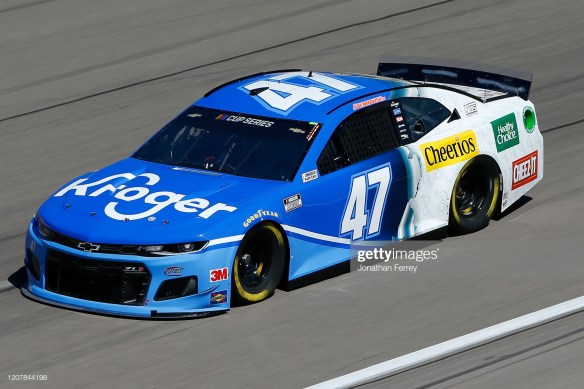 Ricky Stenhouse Jr, led by crew chief Brian Pattie finishes third at Las Vegas Motor Speedway.