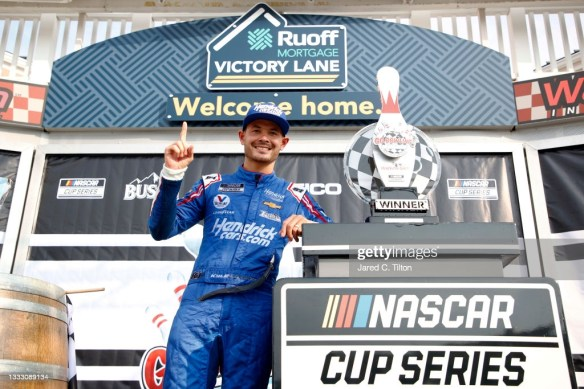 Kyle Larson returns to winning ways at Watkins Glen International in the NASCAR Cup Series Go Bowling at The Glen on Sunday afternoon.