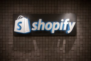 FanAppic - Shopify