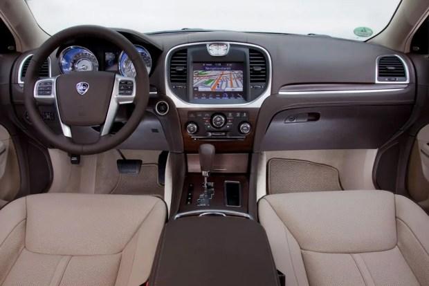 2012 Lancia Thema 3.6 V6 - Fanaticar Magazin