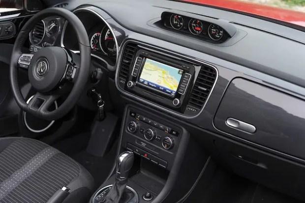 Alles schön übersichtlich im neuen Beetle Cabrio von VW
