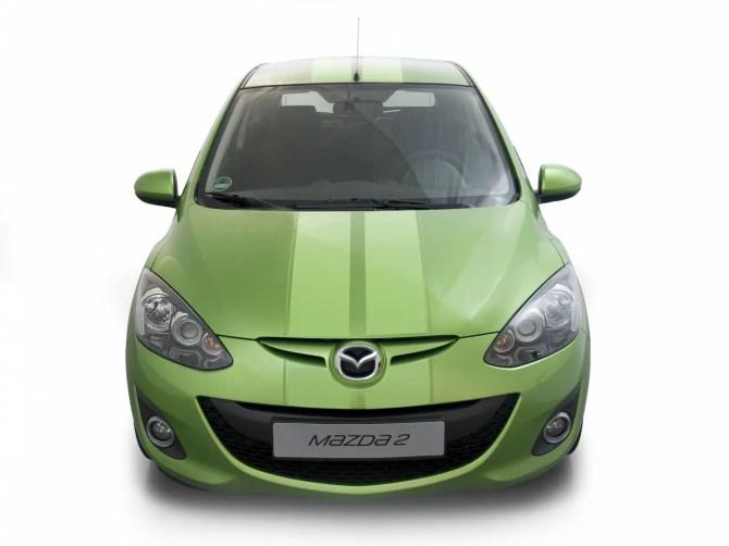 Mazda 2 mit Streifenfoliendesign - Fanaticar Magazin
