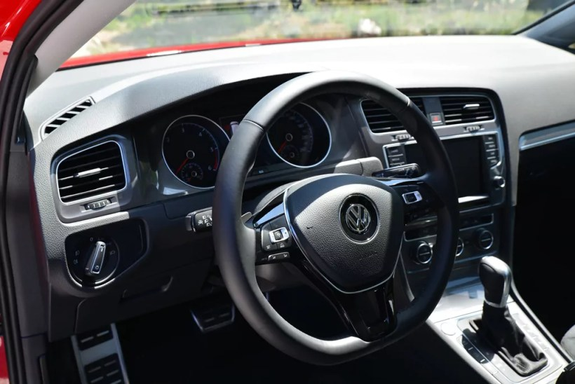 2015 Volkswagen Golf Alltrack | Fanaticar Magazin