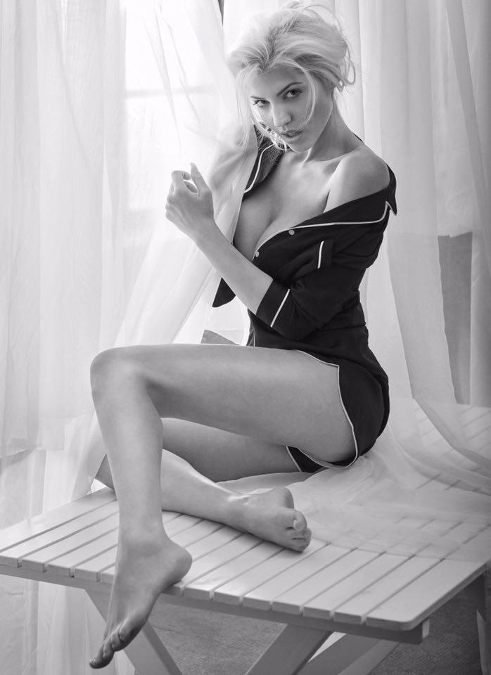 Sarah Nowak - Playmate | Fanaticar Magazin