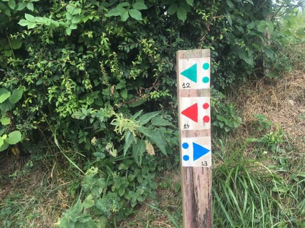señalizacion escasa en la zona de Arrazola