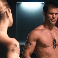 Casper Van Dien as Johnny Rico shirtless/naked in Starship Troopers 3: Marauder