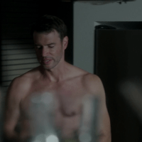 "Scott Foley as Jake Ballard shirtless in Scandal 3x05 ""More Cattle, Less Bull"""
