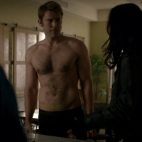 "Wil Traval as Will Simpson shirtless in Marvel's Jessica Jones 1x05 ""AKA The Sandwich Saved Me"""
