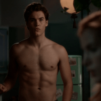 "Charlie DePew as Jake Salt shirtless in Famous in Love 1x01 ""Pilot"""