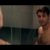 "James Wolk as Jordan Evans shirtless/naked in Tell Me a Story 1x01 ""Chapter 1: Hope"""