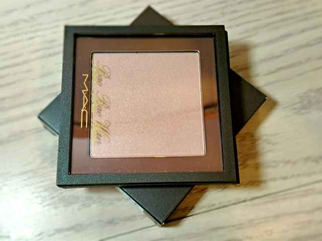 MAC Bao Bao Wan Summer Opal Beauty Powder