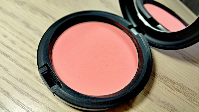MAC Alpha Girl Beauty Powder MAC is Beauty Collection
