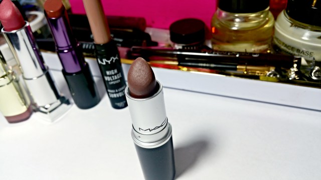 5 Fall Nude Lipsticks: MAC Stone Lipstick