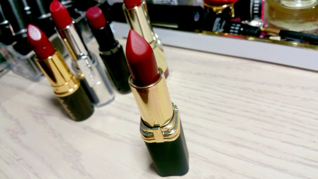 L'Oreal Zoe's Red Colour Riche Lipstick