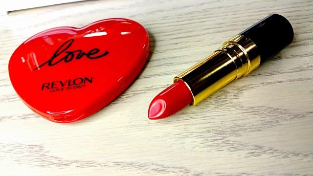 Revlon 740 Certainly Red Super Lustrous Lipstick