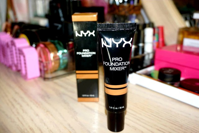 NYX Pro Foundation Mixer in Olive