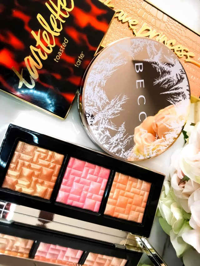Makeup Palettes for Christmas: Bobbi Brown Bobbi to Glow Highlighting Trio Swatches on Dark Skin