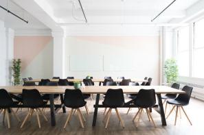 Giant-Meeting-Room