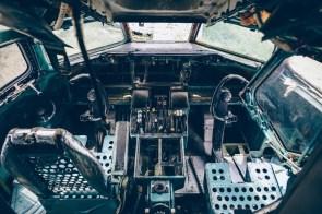 Stripped-Cockpit