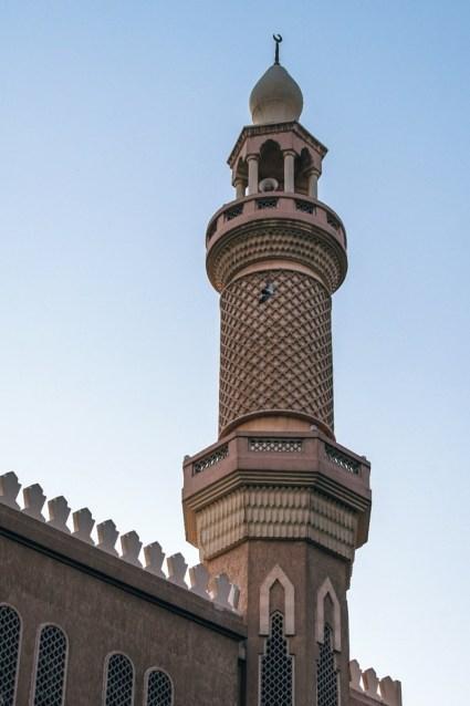 Beautifully-Designed-Mosque-in-Old-Dubai